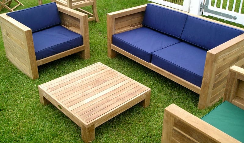 What You Should Know About Buying Wooden Garden Furniture