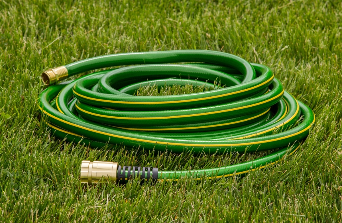 How to Choose the Right Garden Hose pics
